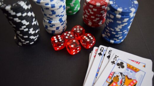 Tips and tricks for easily playing in online poker applications